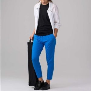 • Lululemon • Jet Crop Slim Pant Blue 4 New
